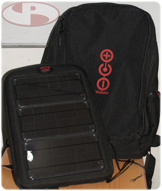 Bag paling depan dengan Solar Panel bisa di pisahkan dari body tas utama.
