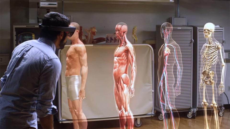 microsoft-hololens-demo-medical-university