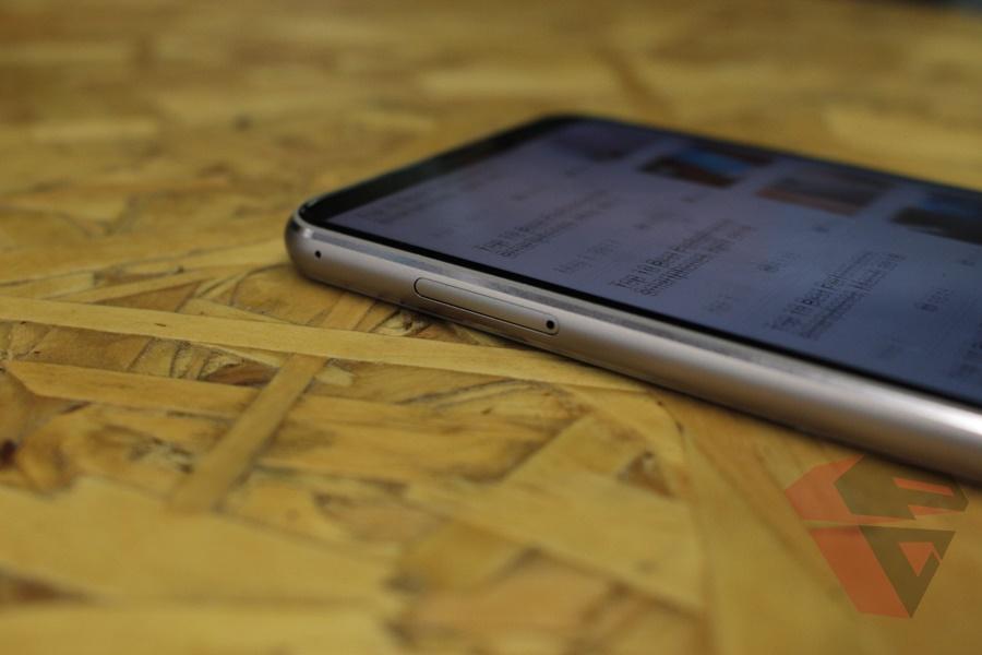 Hands on Asus Zenfone 5z material