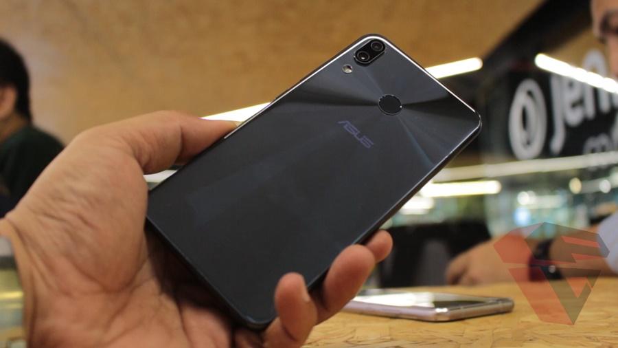 Hands on Asus Zenfone 5z Design