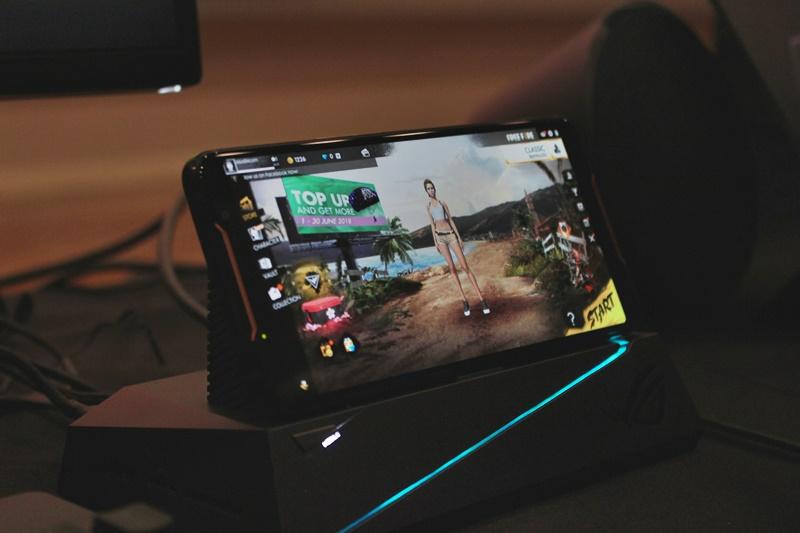 ROG Phone - LCD