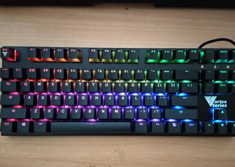 421713c1b88 5 Keyboard Mechanical RGB Kere Hore Terbaik | Pemmzchannel